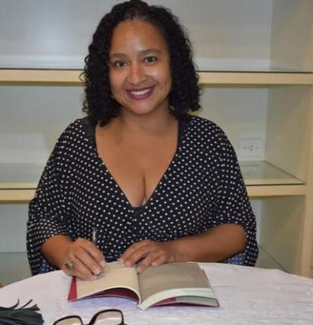Imagem disponível em: http://www.liciafabio.com.br/wp-content/uploads/2019/03/Rita-Santana.jpeg